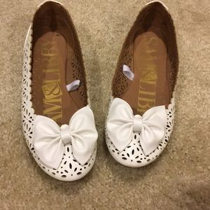 Sam & Libby White Perforated Leather Bow Flats 7.5